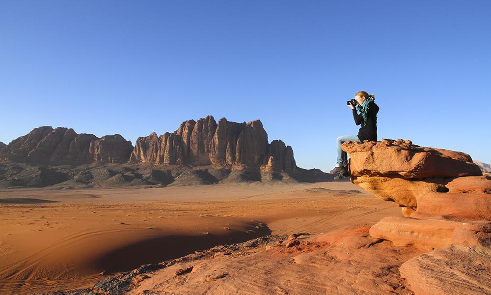 Ørkenen der filmen «Lawrence of Arabia» er spilt inn, er høydepunktet i den sørlige enden av Jordan Trail. Herfra tar det fem dager å gå til rutens endepunkt ved Rødehavet. Foto: Ronny Frimann