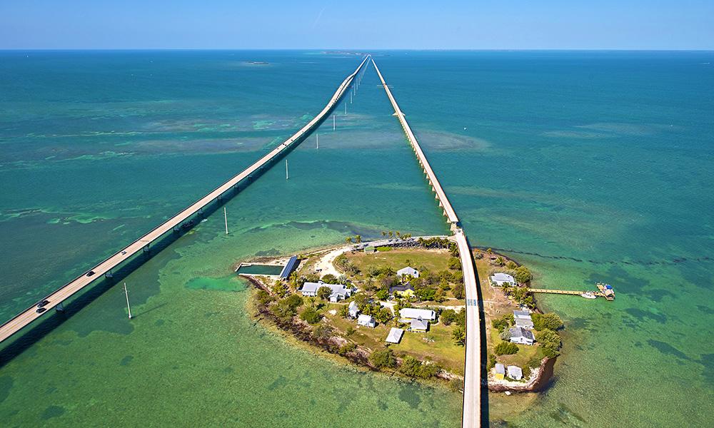 Med hav på alle kanter, er kjøreturen nedover Florida Keys som en biltur midt ute på sjøen! Foto: Andy Newman/ Florida Keys News Bureau