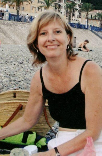 Allison Coe (55) flyttet fra Hawaii til Nice på slutten av 90-tallet og har siden blitt værende. Foto: Privat