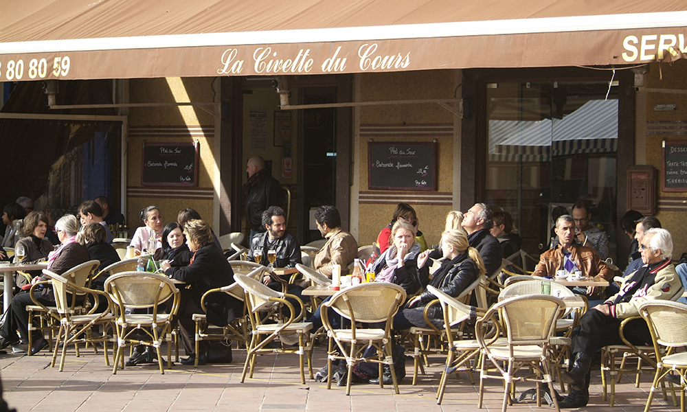 Kaféliv i Nice. Foto: Privat