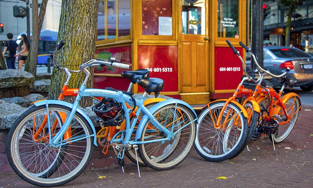 Den beste måten å oppdage Vancouver er fra sykkelsetet. Sykkelveien The Seawall anbefales. Foto: iStock