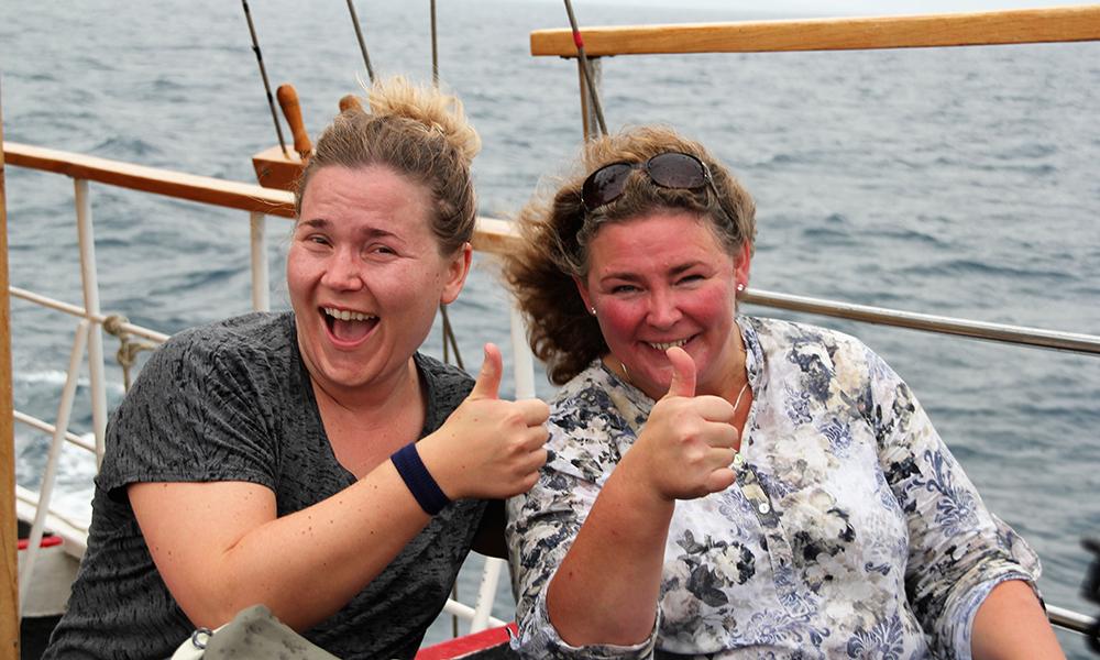 Det var god stemning på båten på vei til Brac. Endelig er vi igang! Foto: Kari Wallem Bøe