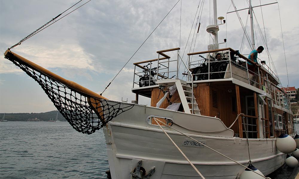 Båten vår. Foto: Kari Wallem Bøe