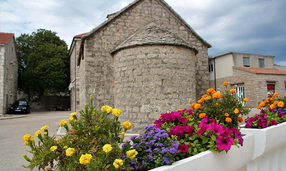 Besøk i den rolige landsbyen Praznica. Foto: Kari Wallem Bøe