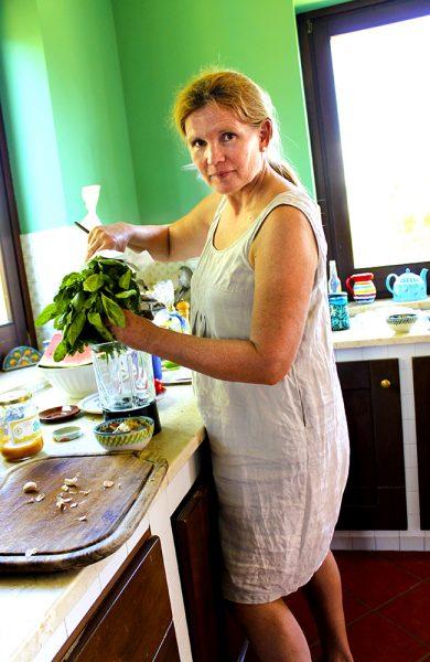 Hjemme i Caltanissetta disker Sissel opp med tradisjonsrik, hjemmelaget mat. Foto: Ida Anett Danielsen