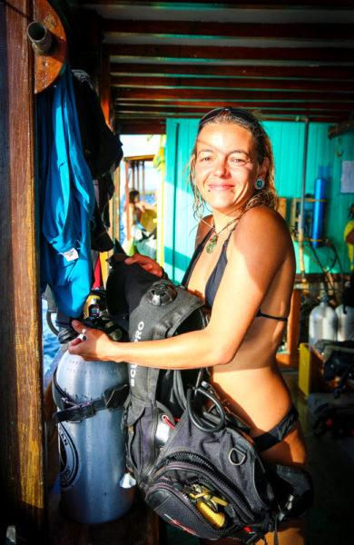 Faustine Hoffman elsker å ta med seg turister for å oppleve Komodo nasjonalpark under vann. Foto: Preben Danielsen