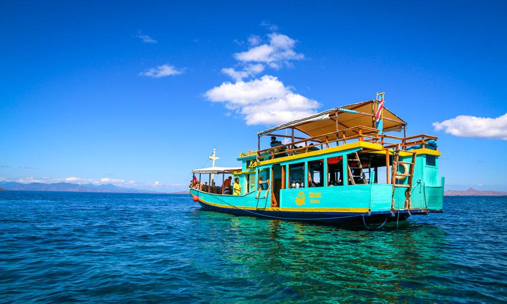 Klare for dykking i dykkerbåt. Komodo Nasjonalpark er et ypperlig sted for undervannsopplevelser. Foto: Preben Danielsen