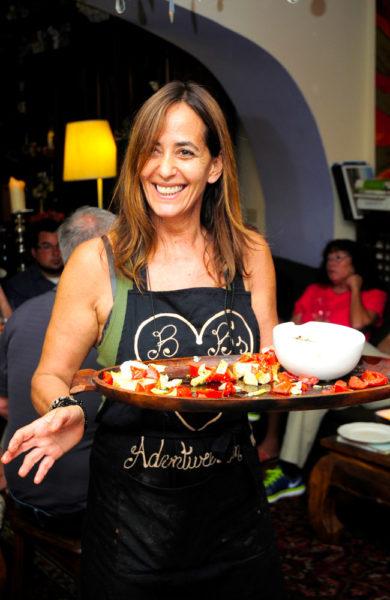 Lær å lage autentisk mat hjemme hos kokken Barbara fra EatWith. Foto: Paul Hughson