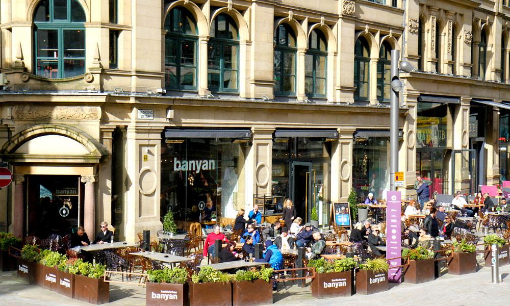 Kos deg på en av Manchesters mange kaféer. Foto: Runar Larsen