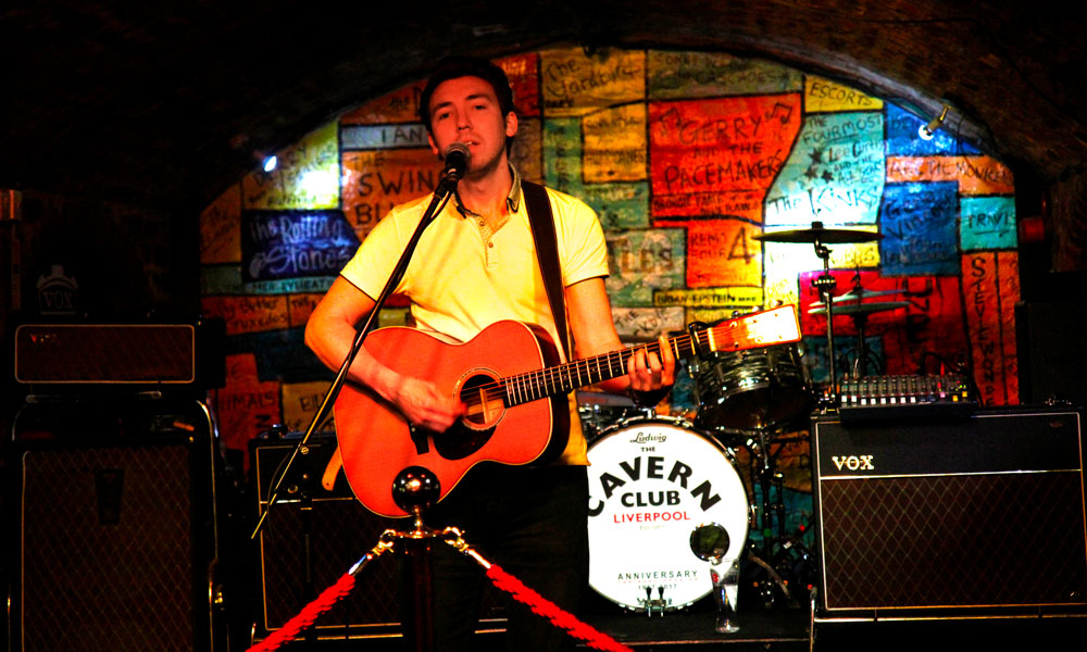 På Cavern Club får du daglig livemusikk og høy allsangfaktor til Beatlessanger. Foto: Runar Larsen