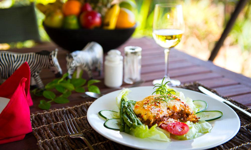 På Kilimas restaurant tilbyr de forfriskninger og nydelig mat. Foto: Kilima