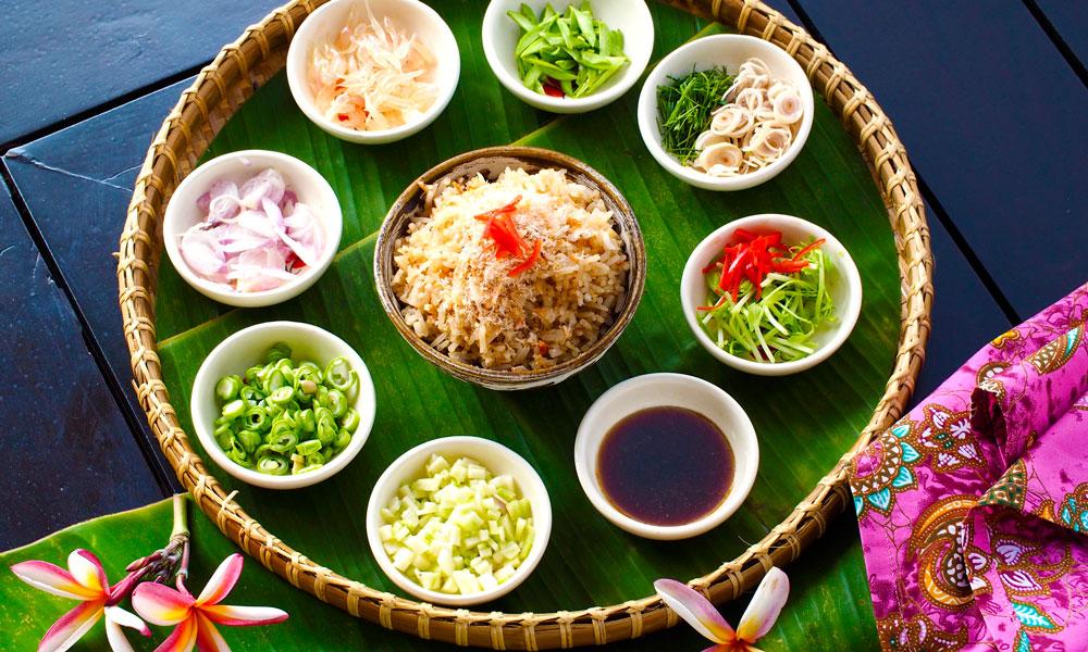 Å velge mat som er produsert lokalt er bra for miljøet - og den som smaker best, som på Tongsai Bay i Thailand