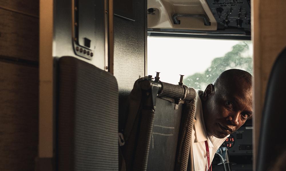 Kapteinen på Malinda airport. Foto: Stian Klo