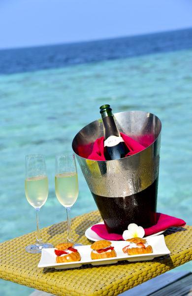 Champagne på rommet hører med på voksenresort. Foto: Torild Moland