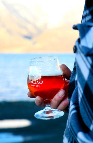 Lokalprodusert øl på Spitsbergen Bryggeri. Foto: Runar Larsen