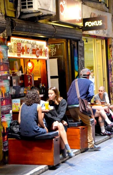 Melbourne byr på trendy kaféer som serverer smakfulle lunsjretter inspirert fra alle verdens hjørner. Melbourne er byen for de som elsker mat. Foto: Mari Bareksten