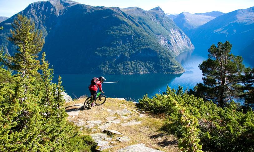 14. Oppdag Norge på to hjul