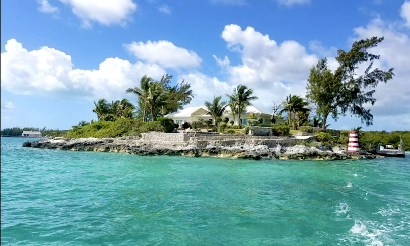 2. Middle Cay