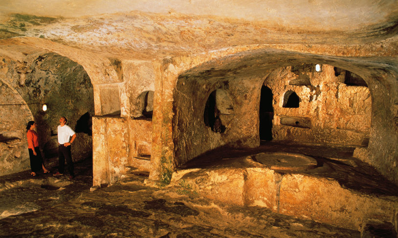 2. Ħal-Saflieni Hypogeum