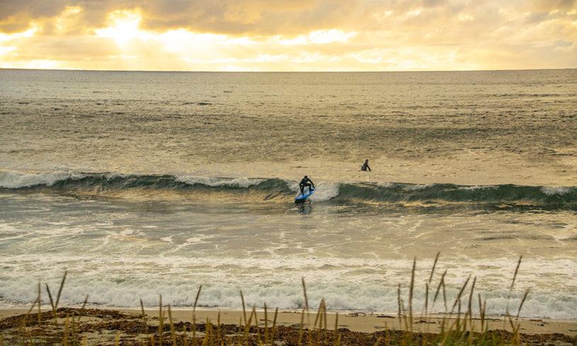2 Surfing på Unstad