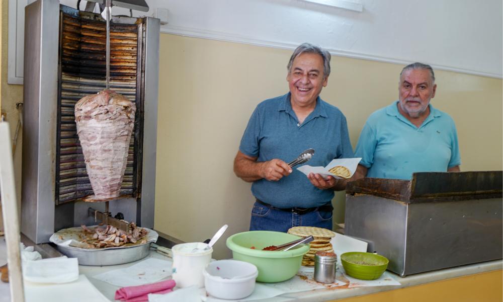 BrødreneNikos og Giorgos Solidakis på Oasis i Chania